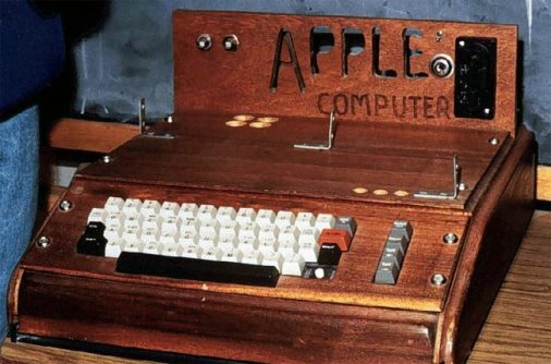 apple-1-bilgisayar-satildi
